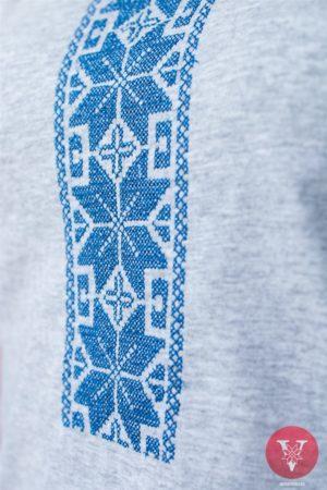 Вышимайка с голубой вышивкой