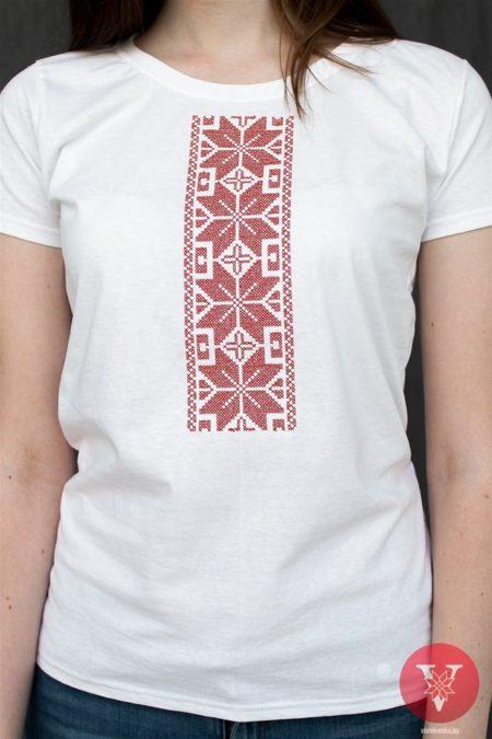Белая вышимайка с красной вышивкой