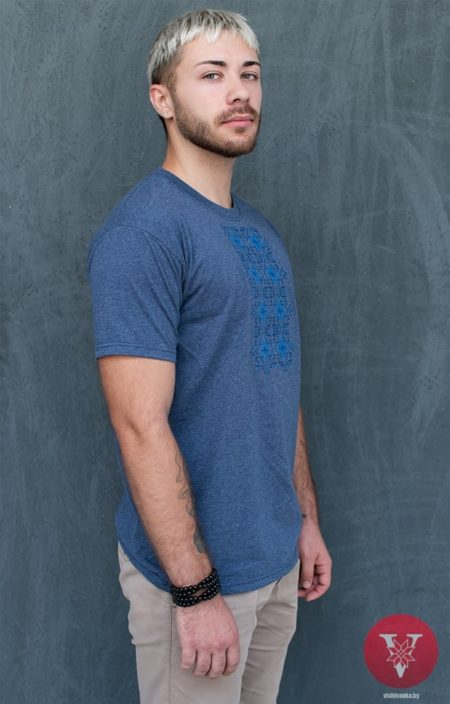 Мужская меланж вышимайка с голубой вышивкой
