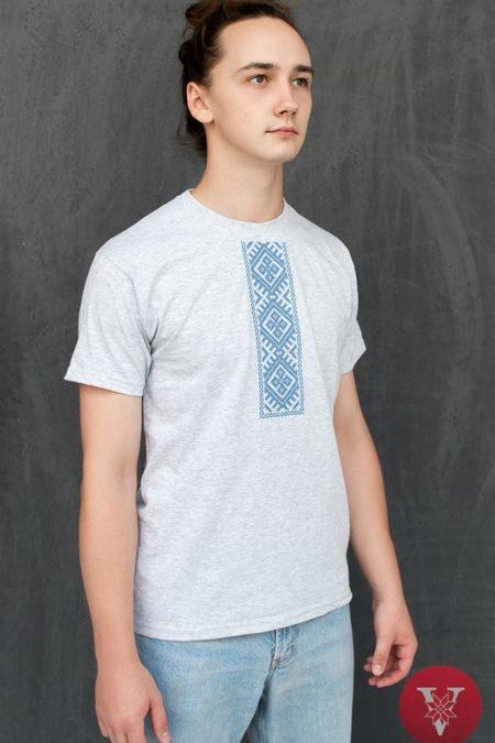Мужская вышимайка с голубой вышивкой